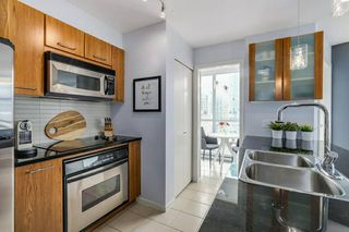Photo 5:  in vancouver: Yaletown Condo for rent (Vancouver West)
