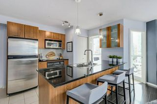 Photo 2:  in vancouver: Yaletown Condo for rent (Vancouver West)