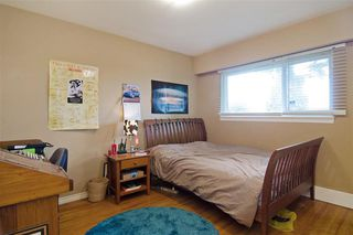 Photo 4: 451 E. Keith Road in North Vancouver: Lower Lonsdale House for sale : MLS®# R2046534