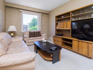Photo 9: 161 Regina Avenue in Toronto: Englemount-Lawrence Freehold for sale (Toronto C04)