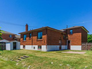 Photo 17: 161 Regina Avenue in Toronto: Englemount-Lawrence Freehold for sale (Toronto C04)