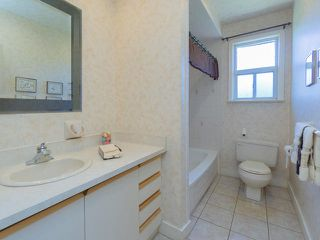 Photo 11: 161 Regina Avenue in Toronto: Englemount-Lawrence Freehold for sale (Toronto C04)