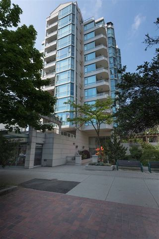 Photo 3: 904 140 E 14TH STREET in North Vancouver: Central Lonsdale Condo for sale : MLS®# R2270647
