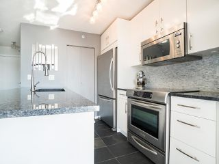 Photo 5: 2903 909 MAINLAND STREET in Vancouver: Yaletown Condo for sale (Vancouver West)  : MLS®# R2213017