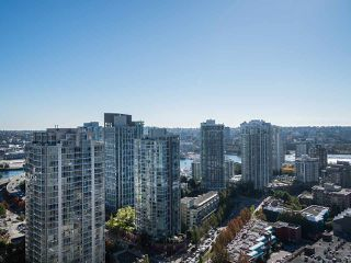 Photo 2: 2903 909 MAINLAND STREET in Vancouver: Yaletown Condo for sale (Vancouver West)  : MLS®# R2213017