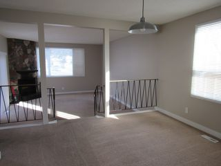 Photo 6: 21 Aspen Crescent in St. Albert: House for rent