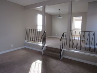 Photo 8: 21 Aspen Crescent in St. Albert: House for rent