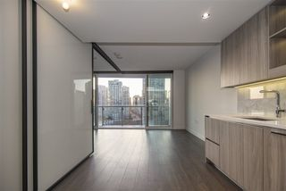 "Photo 10: 1603 89 NELSON Street in Vancouver: Yaletown Condo for sale in ""THE ARC"" (Vancouver West)  : MLS®# R2411058"