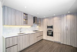 "Photo 5: 1603 89 NELSON Street in Vancouver: Yaletown Condo for sale in ""THE ARC"" (Vancouver West)  : MLS®# R2411058"
