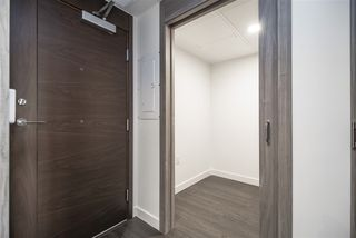 "Photo 11: 1603 89 NELSON Street in Vancouver: Yaletown Condo for sale in ""THE ARC"" (Vancouver West)  : MLS®# R2411058"