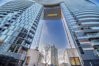 "Photo 15: 1603 89 NELSON Street in Vancouver: Yaletown Condo for sale in ""THE ARC"" (Vancouver West)  : MLS®# R2411058"