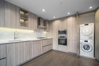"Photo 6: 1603 89 NELSON Street in Vancouver: Yaletown Condo for sale in ""THE ARC"" (Vancouver West)  : MLS®# R2411058"