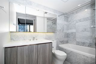 "Photo 9: 1603 89 NELSON Street in Vancouver: Yaletown Condo for sale in ""THE ARC"" (Vancouver West)  : MLS®# R2411058"