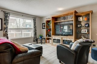 Photo 2: 143 COUGARSTONE Garden SW in Calgary: Cougar Ridge Detached for sale : MLS®# C4295738