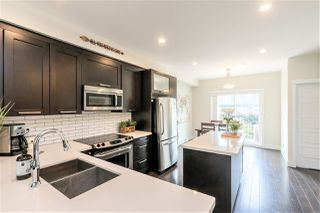 """Photo 5: 31 20967 76 Avenue in Langley: Willoughby Heights Townhouse for sale in """"NATURE'S WALK"""" : MLS®# R2472960"""