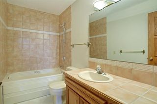 Photo 23: 11 STRATHLORNE Bay SW in Calgary: Strathcona Park Detached for sale : MLS®# A1025506