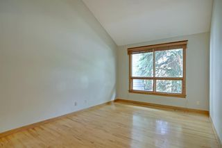 Photo 4: 11 STRATHLORNE Bay SW in Calgary: Strathcona Park Detached for sale : MLS®# A1025506