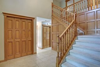 Photo 3: 11 STRATHLORNE Bay SW in Calgary: Strathcona Park Detached for sale : MLS®# A1025506