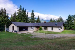 Photo 2: 631 Sabre Rd in : NI Kelsey Bay/Sayward House for sale (North Island)  : MLS®# 854000
