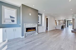 Photo 13: 213 18 Street NW in Calgary: West Hillhurst Semi Detached for sale : MLS®# A1029385