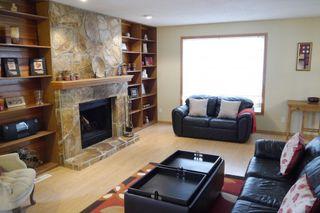 Photo 3: 134 Syracuse Crescent in Winnipeg: Fort Garry / Whyte Ridge / St Norbert Single Family Detached for sale (South Winnipeg)  : MLS®# 1410968