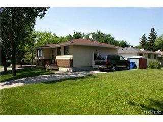 Photo 4: 320 TREMAINE Avenue in Regina: Walsh Acres Single Family Dwelling for sale (Regina Area 01)  : MLS®# 506223