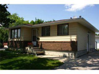 Photo 3: 320 TREMAINE Avenue in Regina: Walsh Acres Single Family Dwelling for sale (Regina Area 01)  : MLS®# 506223