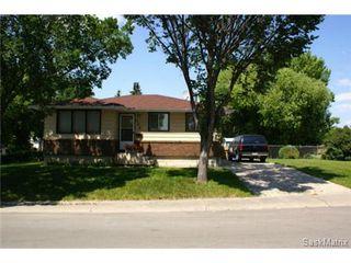 Photo 1: 320 TREMAINE Avenue in Regina: Walsh Acres Single Family Dwelling for sale (Regina Area 01)  : MLS®# 506223