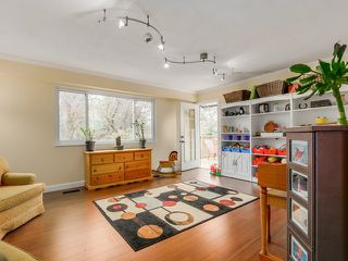 Photo 10: 10320 WHISTLER PL in Richmond: Woodwards House for sale : MLS®# V1110438