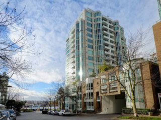Photo 2: 702 1501 HOWE STREET in Vancouver: Yaletown Condo for sale (Vancouver West)  : MLS®# R2325497