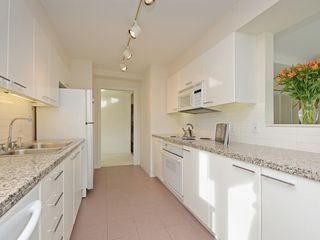 Photo 7: 702 1501 HOWE STREET in Vancouver: Yaletown Condo for sale (Vancouver West)  : MLS®# R2325497