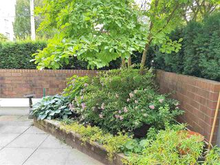 "Photo 2: 105 555 W 14TH Avenue in Vancouver: Fairview VW Condo for sale in ""CAMBRIDGE PLACE"" (Vancouver West)  : MLS®# R2388008"