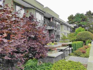 "Photo 13: 105 555 W 14TH Avenue in Vancouver: Fairview VW Condo for sale in ""CAMBRIDGE PLACE"" (Vancouver West)  : MLS®# R2388008"