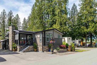 "Photo 2: 10 53480 BRIDAL FALLS Road in Rosedale: Rosedale Popkum House for sale in ""Bridal Falls Cottage Resort"" : MLS®# R2428838"