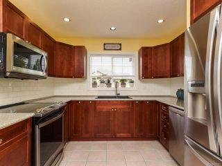 Photo 3: 678 Lancaster Way in COMOX: CV Comox (Town of) House for sale (Comox Valley)  : MLS®# 839177