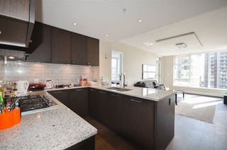 Photo 3: 1203 150 W 15TH Street in North Vancouver: Central Lonsdale Condo for sale : MLS®# R2498901
