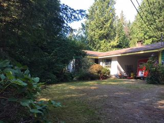 Photo 1: 5082 CHAPMAN Road in Sechelt: Sechelt District House for sale (Sunshine Coast)  : MLS®# R2505595