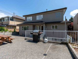 Photo 17: 2387 BONACCORD Drive in Vancouver: Fraserview VE House for sale (Vancouver East)  : MLS®# R2510745