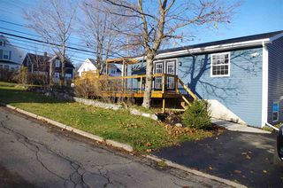 Photo 2: 1049 George Street in Sydney: 201-Sydney Residential for sale (Cape Breton)  : MLS®# 202023563