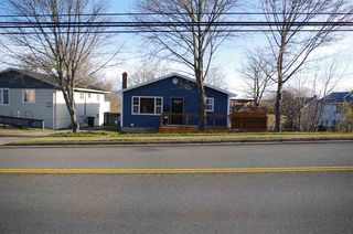 Photo 1: 1049 George Street in Sydney: 201-Sydney Residential for sale (Cape Breton)  : MLS®# 202023563