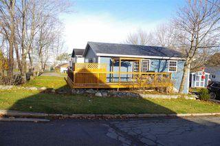 Photo 3: 1049 George Street in Sydney: 201-Sydney Residential for sale (Cape Breton)  : MLS®# 202023563