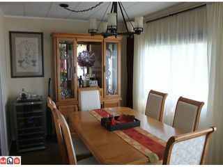 """Photo 3: 273 1840 160TH Street in Surrey: King George Corridor Manufactured Home for sale in """"Breakaway Bays"""" (South Surrey White Rock)  : MLS®# F1212134"""