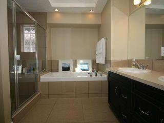 Photo 9: 2026 33 Street SW in CALGARY: Killarney Glengarry Residential Detached Single Family for sale (Calgary)  : MLS®# C3529646