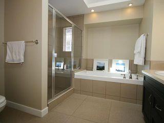 Photo 12: 2026 33 Street SW in CALGARY: Killarney Glengarry Residential Detached Single Family for sale (Calgary)  : MLS®# C3529646