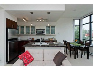 """Photo 1: 10 1 RENAISSANCE Square in New Westminster: Quay Townhouse for sale in """"THE Q"""" : MLS®# V1020471"""