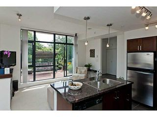 """Photo 5: 10 1 RENAISSANCE Square in New Westminster: Quay Townhouse for sale in """"THE Q"""" : MLS®# V1020471"""