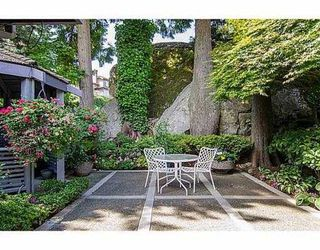 "Photo 2: 5257 ASPEN Crescent in West Vancouver: Upper Caulfeild Townhouse for sale in ""SAHALEE"" : MLS®# V1023681"