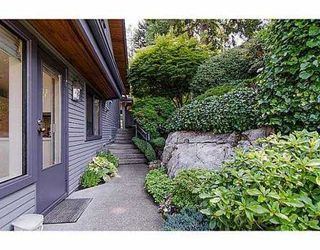 "Photo 16: 5257 ASPEN Crescent in West Vancouver: Upper Caulfeild Townhouse for sale in ""SAHALEE"" : MLS®# V1023681"