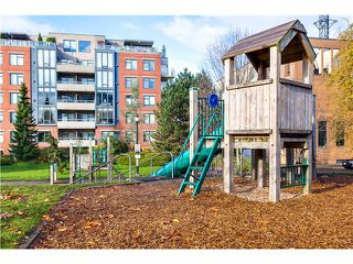 Photo 18: # 201 2655 CRANBERRY DR in Vancouver: Kitsilano Condo for sale (Vancouver West)  : MLS®# V1036126
