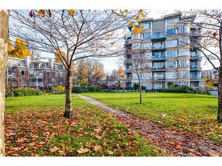 Photo 20: # 201 2655 CRANBERRY DR in Vancouver: Kitsilano Condo for sale (Vancouver West)  : MLS®# V1036126